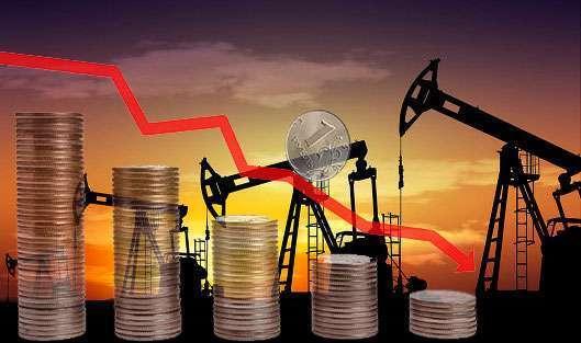 Нефть начала падение, а вслед за ней снижается и рубль