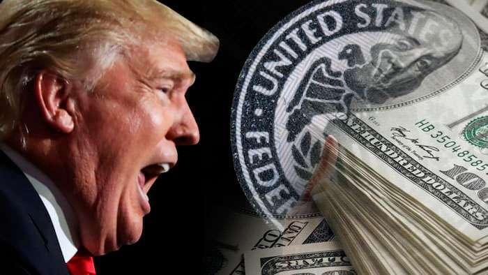 Доллар падает на фоне ожиданий нового главы ФРС