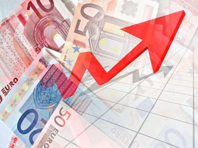 Рубль имеет отрицательную динамику, а евро возвращает позиции форекс