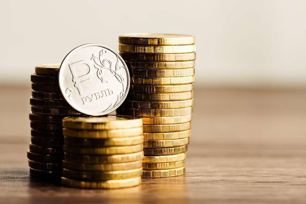 Обновленные прогнозы и привязка рубля к рискам