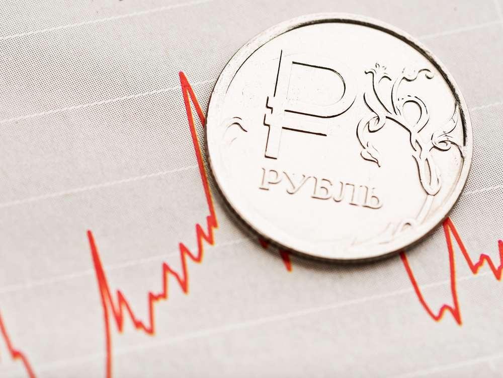 Рубль укрепляется на фоне экспортных продаж и налогового периода