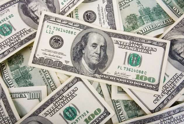Корпоративная статистика из США поддерживает доллар