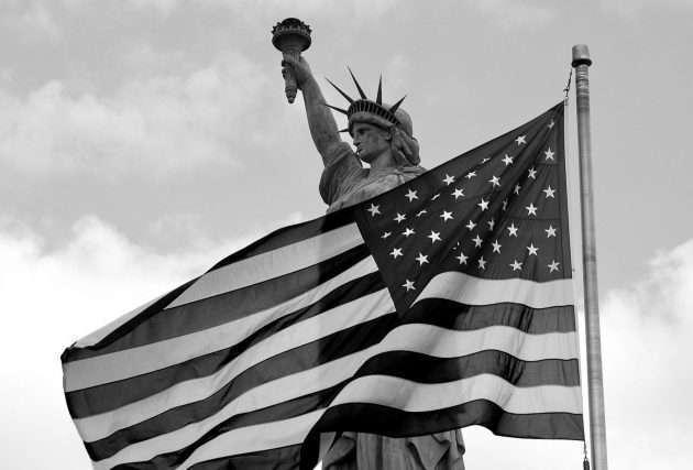 Соединенные Штаты Америки правят биржами